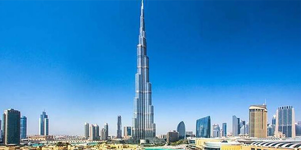 Soar high up in the sky at the tallest Burj Khalifa
