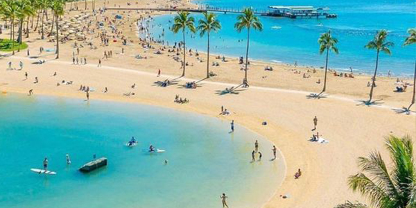 Unwind yourself at Waikiki Beach, Oahu