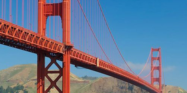 Don't miss getting a picture clicked on the famous Golden Gate Bridge, San Francisco